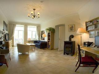 Cosy & quite old style 5 room flat with balcony! - Saint Petersburg vacation rentals