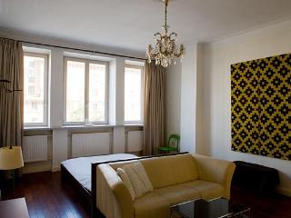APARTMENT MINSK Lenina 4 - Minsk vacation rentals