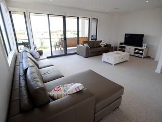 1 Sunset Place, Torquay - Torquay vacation rentals