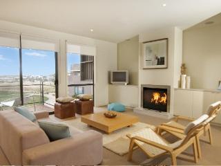 2 Coast Drive, Torquay - Torquay vacation rentals
