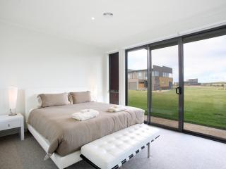 5 Coast Drive, Torquay - Torquay vacation rentals