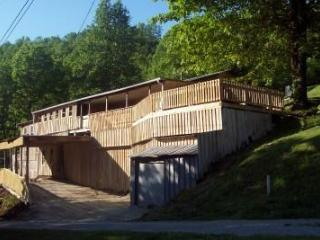 Rustic Lakeside Home-View,Kayaks,Jacuzzi,Swim,Wifi - Cookeville vacation rentals