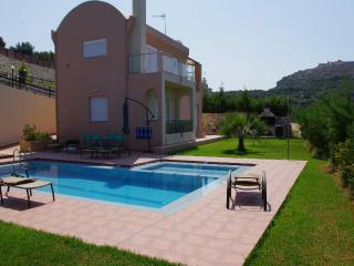 Villa Ioli with sea view in a quiet location - Platanias vacation rentals