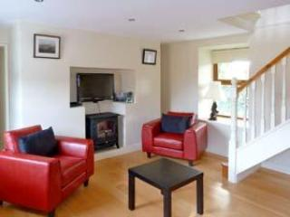 Cozy 2 bedroom House in Dundalk with Dishwasher - Dundalk vacation rentals