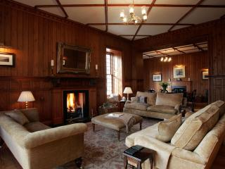 Assynt House Luxury Holiday House 7 en-suite rooms - Evanton vacation rentals