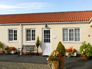 RICHMOND COTTAGE, pet friendly, country holiday cottage, with a garden in Malton, Ref 8204 - Brandsby vacation rentals