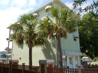 3 bedroom House with Deck in Mexico Beach - Mexico Beach vacation rentals