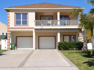 LUXURY4BDRM/3BTHRM,BILLIARD,HEATED POOL,NEAR BEACH - South Padre Island vacation rentals