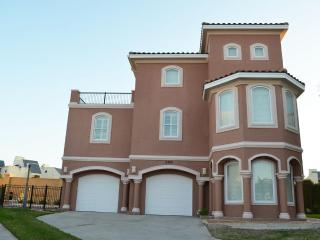 SALE*4BR/4BTHRM,HEATED POOL, GATED COMM NEAR BEACH - South Padre Island vacation rentals