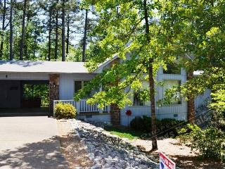5BaleWy | West Gate Area | Home | Sleeps 4 - Arkansas vacation rentals