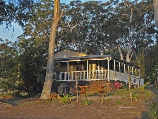 Bush & Bay Cottage, Jervis Bay - Natures doorstep - Jervis Bay vacation rentals