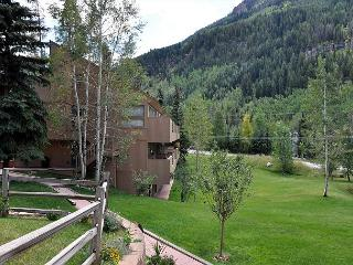 Convenient Condo in East Vail; a favorite with our guests - Vail vacation rentals