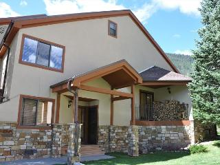 Enjoy the snow! Spacious 4 bedroom + Den Townhome close to Vail Village - Vail vacation rentals