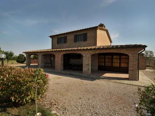 Farmhouse for Rent near Cortona - Casale La Pietra - Terontola vacation rentals