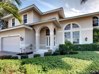 ARUBA SHOALS - Large 4 Bedroom Island Villa with South Exposure! - Marco Island vacation rentals