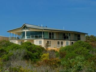 Kangaroo Island luxury - Island Beach Lodge - American River vacation rentals