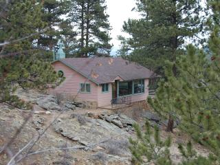Rose Den- Romantic Cabin with King bed - Big Views - Estes Park vacation rentals