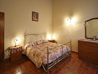 Nice House in Montecchio with Deck, sleeps 6 - Montecchio vacation rentals