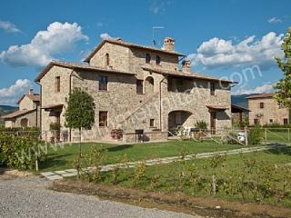 Nice House with Deck and Dishwasher - San Pietro a Cegliolo vacation rentals
