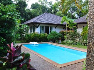 Cosy cottage with swimming pool in Andaman Sea - Ko Lanta vacation rentals