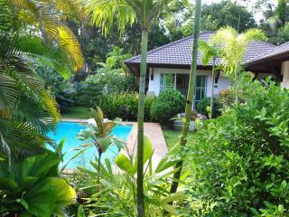 Cosy cottage with swimming pool in Andaman Sea - Ko Lanta vacation rentals