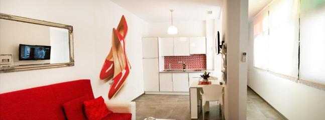 "EXCELLENT  Victoria 55,  ""Red Shoes""  2 bedrooms - Image 1 - Malaga - rentals"