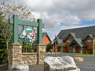 Camp 4 Unit 11: Idyllic Condo in Snowshoe - Snowshoe vacation rentals