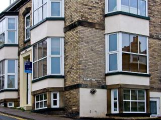 APARTMENT 6, pet friendly, country holiday cottage in Whitby, Ref 9865 - Whitby vacation rentals