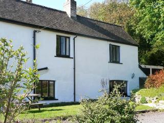 OLD VICARAGE COTTAGE, pet friendly, character holiday cottage, with a garden in Hay-on-Wye, Ref 9211 - Herefordshire vacation rentals