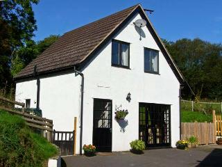 RHOS COTTAGE, family friendly, country holiday cottage, with a garden in Knighton, Ref 11231 - Mellington vacation rentals
