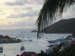 Conveniently located, chic apartment with a nautical theme WV PUL - Gustavia vacation rentals