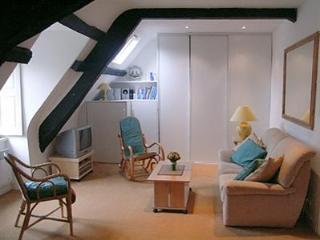 Charming 1 bedroom apartment in Dinan (A007) - Dinan vacation rentals