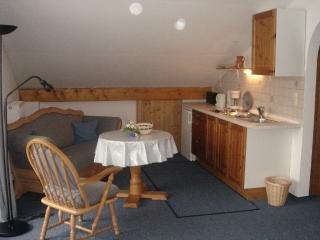 Vacation Apartment in Garmisch-Partenkirchen - 431 sqft, comfortable, great view (# 2173) - Garmisch-Partenkirchen vacation rentals