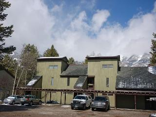 Classic ski hideout in the heart of Jackson - Wilson vacation rentals