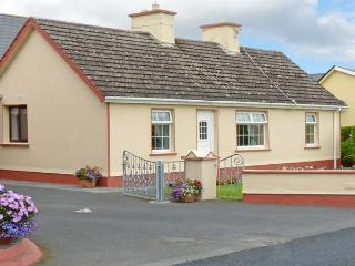 K C COTTAGE, pet friendly, with a garden in Quilty, County Clare, Ref 10373 - Quilty vacation rentals