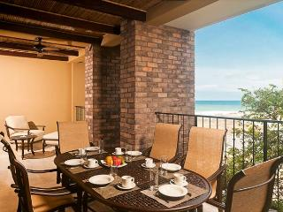 Tropical Elegance and ocean views on the beach in Tamarindo - Tamarindo vacation rentals