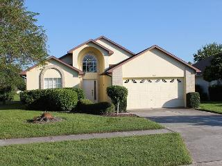 Comfortable home w/ heated pool, near Disney, free Wi-Fi, TV in each bedroom - Orlando vacation rentals