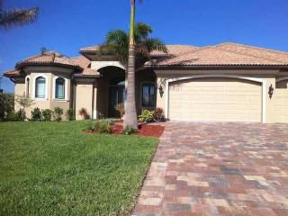 Villa on wide canal close to Cape Harbour - Cape Coral vacation rentals