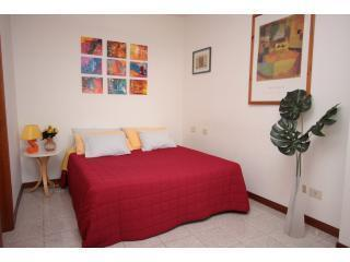 Flat to sleep 8. few minutes by metro to Colosseum - Rome vacation rentals