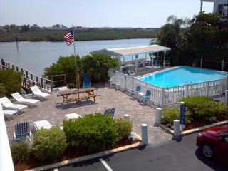 Indian Shores/Indian Rocks Beach Luxury Town House - Indian Shores vacation rentals