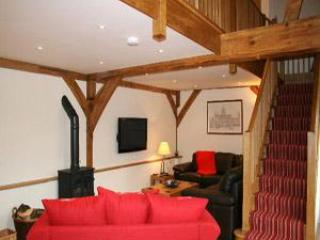 Beautiful Cottage with Deck and Internet Access - Canterbury vacation rentals