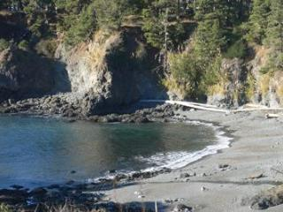 Oceanfront Cottage - Magnificent Views. Beach too! - Mendocino vacation rentals