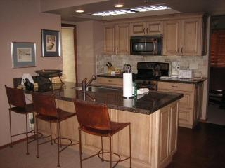 Deer Valley/Park City Beautiful 3BR/3BA+den & Loft - Park City vacation rentals