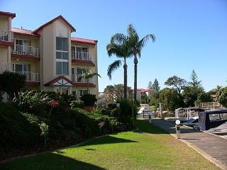 Spacious Seaside Apartment with Great Water Views - Runaway Bay vacation rentals