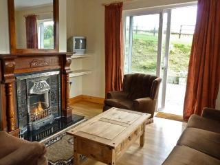 ABBEY HILL, pet friendly, character holiday cottage, with open fire in Mallow, County Cork, Ref 11696 - Mallow vacation rentals