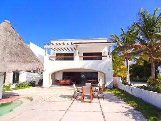 Casa Mandri's - Progreso vacation rentals