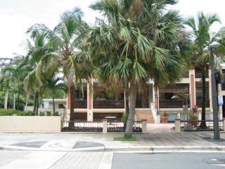 1 bedroom condo San Juan's Condado Area - San Juan vacation rentals
