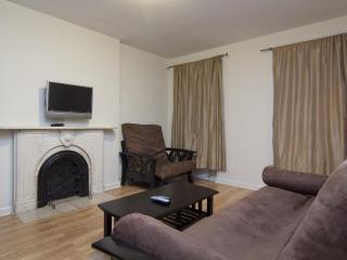 TIMES SQUARE (1 block) 1BR Apt' on Restaurant Row - New York City vacation rentals