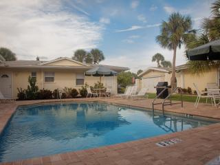 The Sea Spray Resort - Steps to Siesta Key Beach - Siesta Key vacation rentals