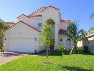 VILLA TOSCANA: 5 Bedroom Home with 2 Master Bedrooms - Davenport vacation rentals